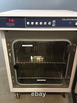 Barnstead Lab-Line 490 CO2 Incubator #2, Medical, Healthcare, Lab Equipment