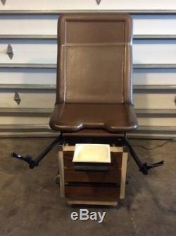Enochs Elpak 1000 Exam Table, Medical, Healthcare, Exam Equipment, Furniture