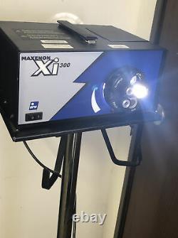 Maxenon Xi-300 Bfw Qed Fiber Optic Illuminating Light Source Medical Equipment