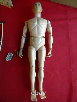 Vintage 1964 GI Joe Army Medic withworking stretcher and equipment