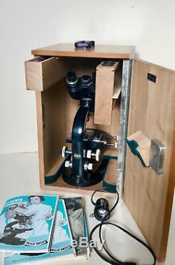 Wild Heerbrugg Binokular Mikroskop M10 mit Zubehör um 1947 Schweiz